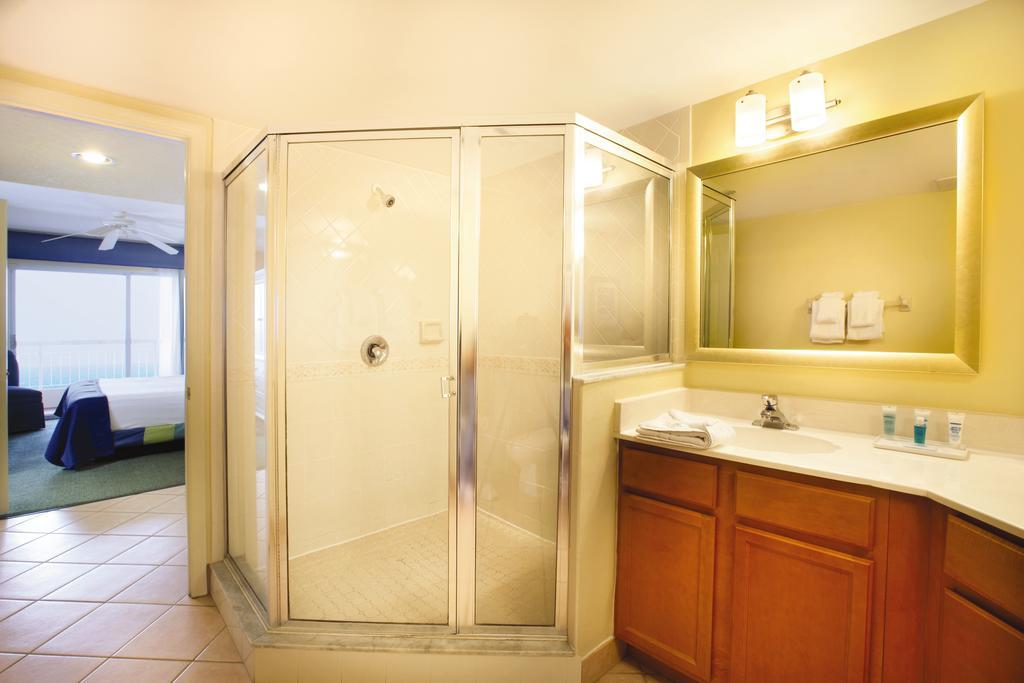 S Ocean Blvd Pompano Beach FL Travelers Exchange Club - Bathroom place pompano beach fl