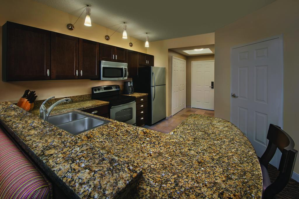 Spa Owner Renting Rooms