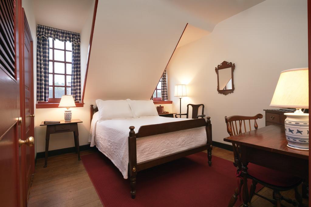 136 e francis st williamsburg va 23185 travelers - 2 bedroom hotel suites in williamsburg va ...