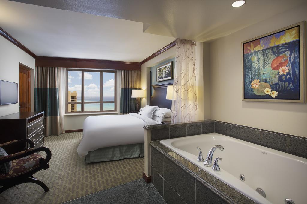 1811 ala moana boulevard waikiki honolulu hi 96815 - 3 bedroom suites in honolulu hawaii ...